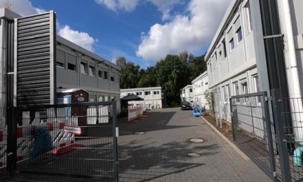 """Anwohner beklagen katastrophale Zustände in der Notunterkunft Kollaustraße / Schömer: """"Maßnahmen sind ein Schlag ins Gesicht der verängstigten Anwohner"""""""